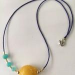 鱼吐泡泡系列:蜜蜡鱼项链