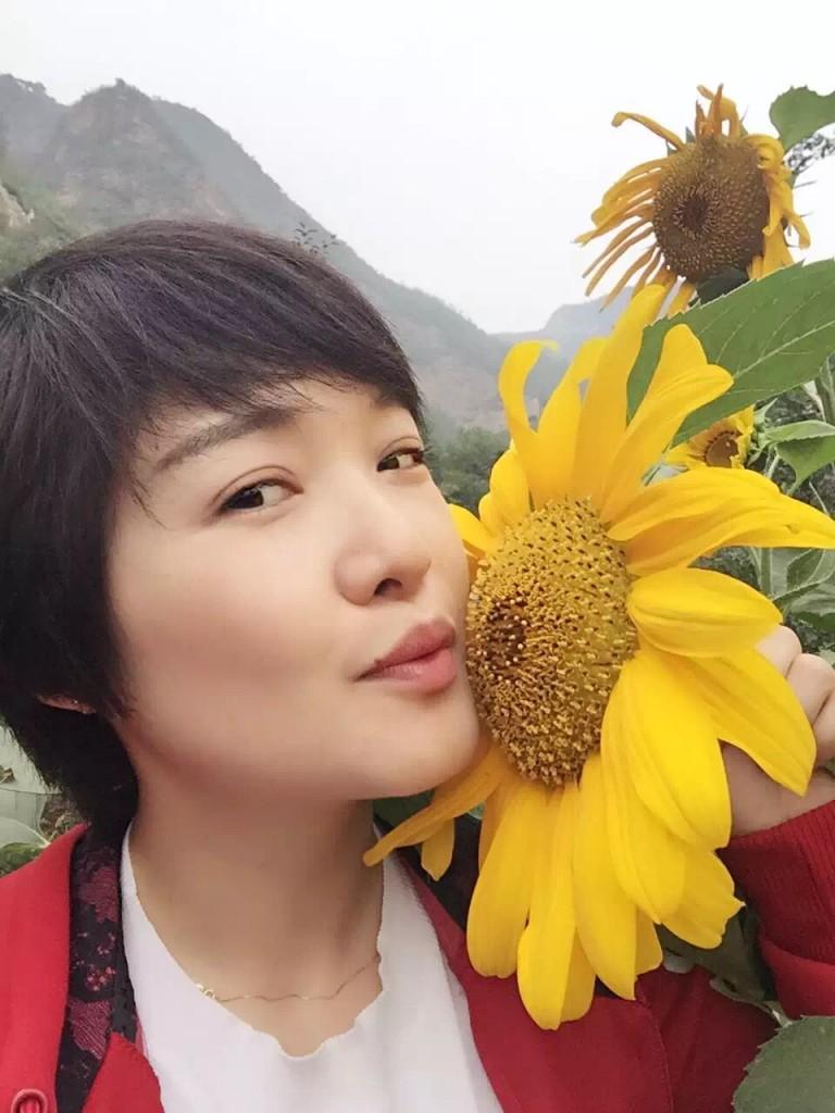 国内青年女画家魏阳阳